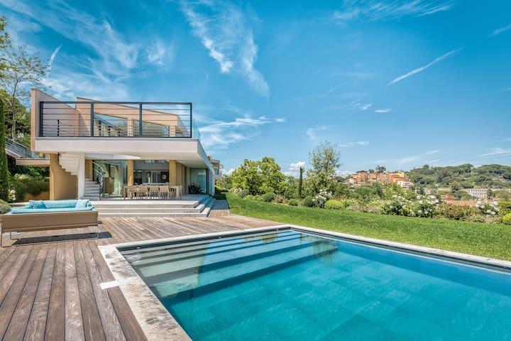 Villa Avora