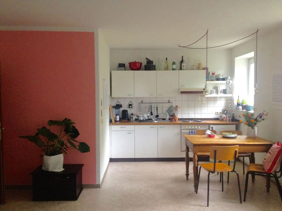 kitchen corner (look when you stand in front of the bed)