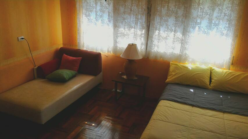 Single room in great location, free breakfast - Hatyai - Hus