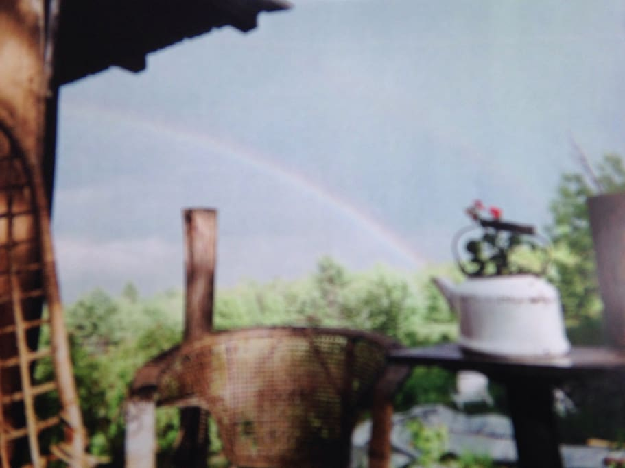 See Rainbow and the kettle. Taken on the deck of the cabin! A very special location for people who want quiet.