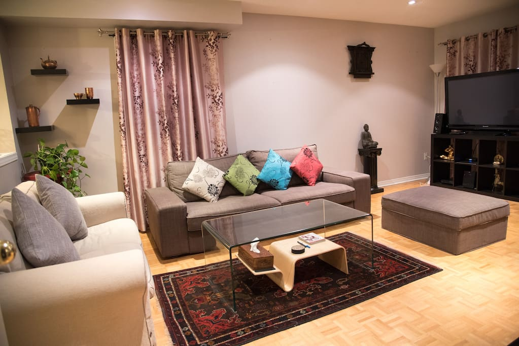 Comfortable living room to lounge in, relax and watch tv
