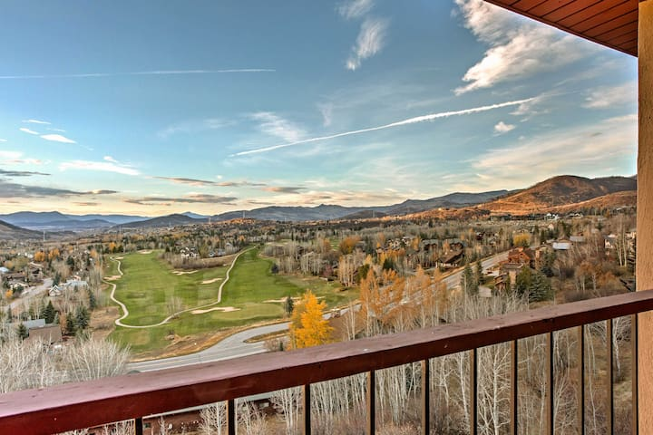 Stunning Steamboat Springs Condo Mins from Skiing!