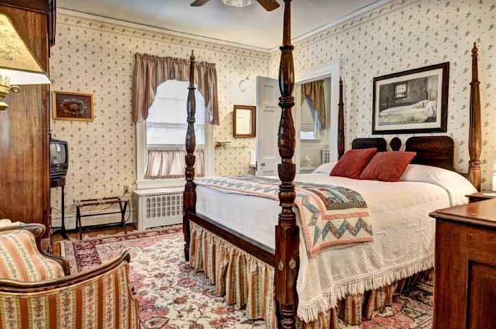 Chesapeake - Colonial Capital Bed & Breakfast