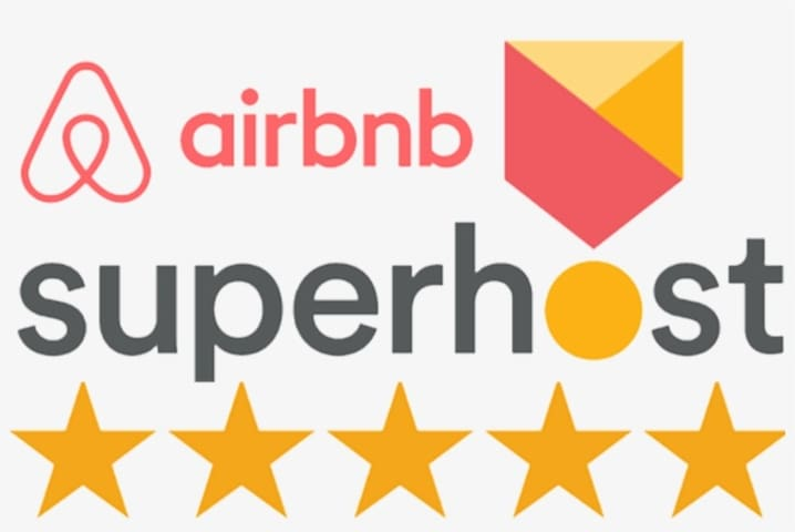 An experienced Superhost to ensure you have a wonderful stay in Toronto!