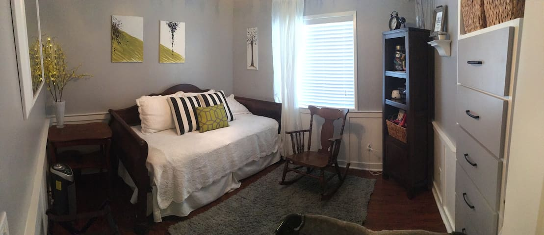 Private Room in Castaic 9 min from Magic Mountain