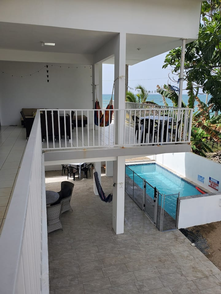 avocado Beach apartment second floor share pool