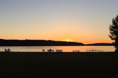 Enjoy 400-ft Private Beach at the Lake (Cabin 6) - Westmore - 小木屋