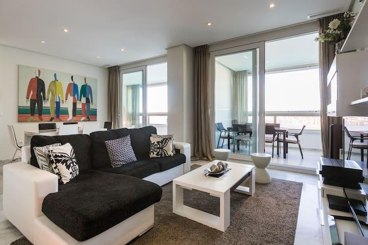 Luxury seafront apartment Benidorm