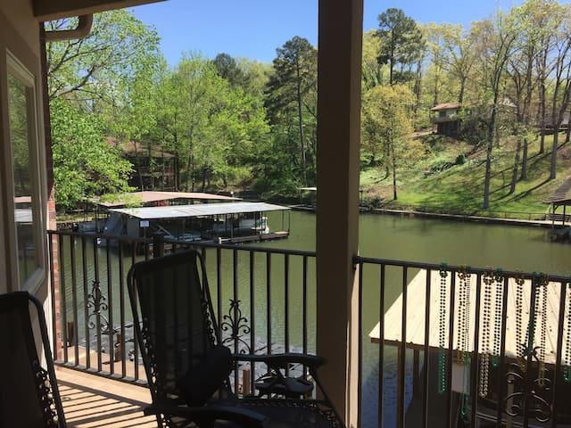 Private rm & bath in lakeside condo - Hot Springs - Condominium