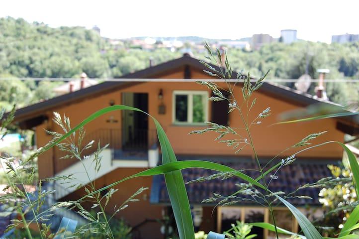 CASA VACANZE VOLTA  Lake Como charming attic - Como - Apartment