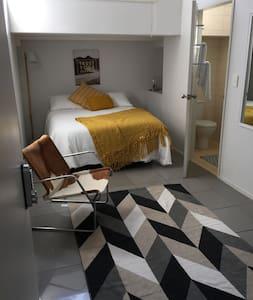 Affordable Stylish bedsit in Vibrant Kingsland - Auckland - Apartamento
