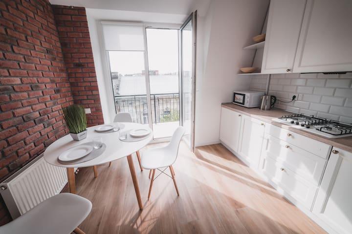 L70a/15 Kostjukowski Apartments