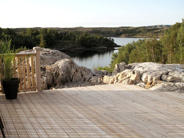 Luxury 10 person holiday home by the sea
