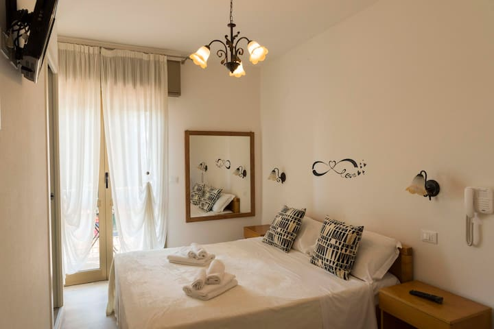 Hotel INFINITY - Camera Matrimoniale