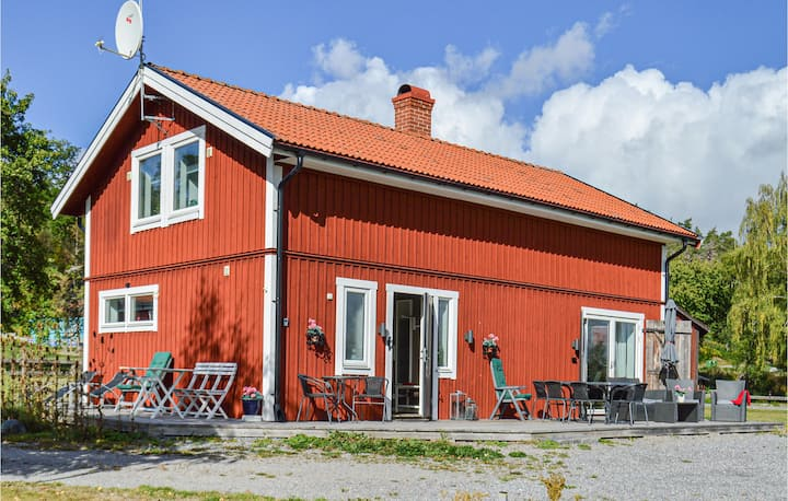 Awesome home in Strängnäs with 3 Bedrooms