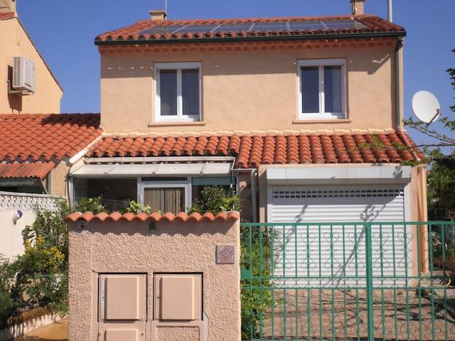 maison T5 avec jardin . - Narbonne - Dom