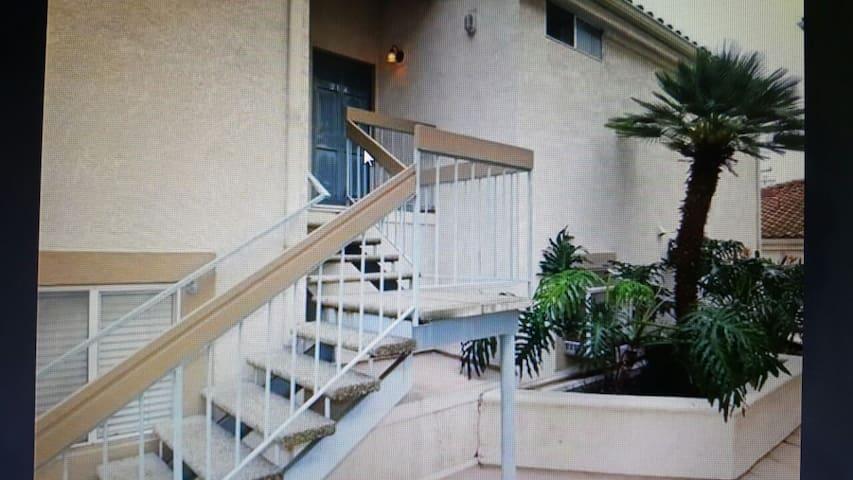 EAST PARK VILLAS (CONDO) AIRBNB - Long Beach - Apto. en complejo residencial