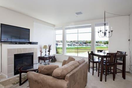 Luxury river view 2BD/2BA condo - Portland - Lägenhet