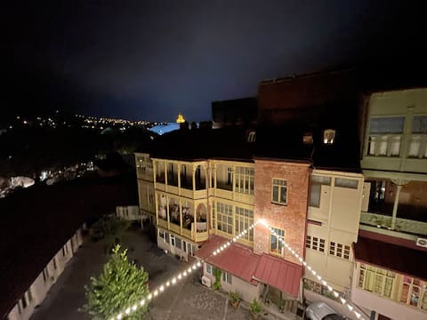 ⭐Historic 1BR Apt in Old Tbilisi w/ Stunning View