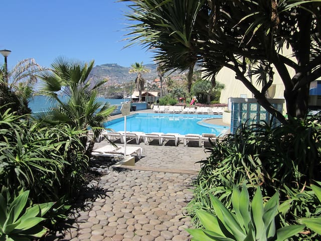2 bedr. beach apartment, pool, fantastic sea views - Funchal - Byt