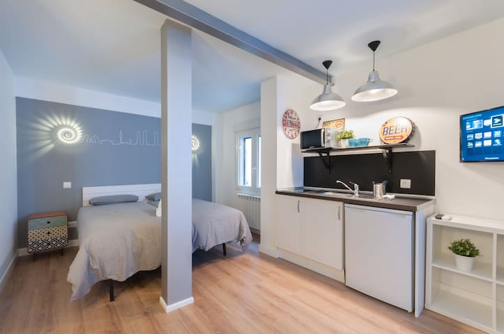 -*Studio City Centre-Atocha-Delicias-WiFi, A/C*-