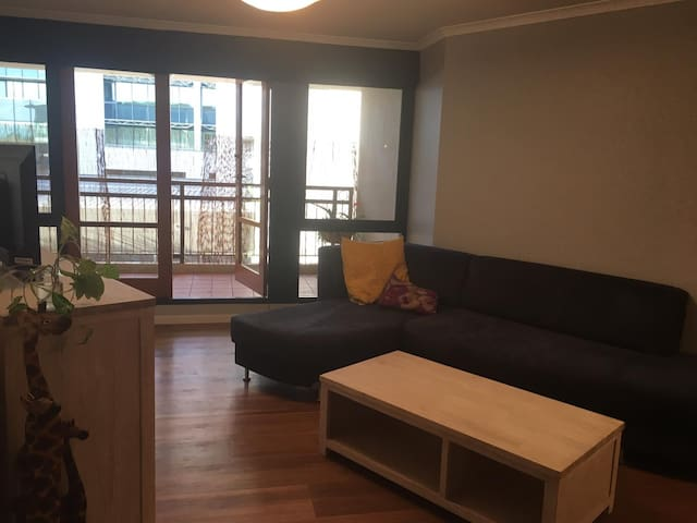 ♥ Clean 2BR in the Heart of Canberra ♥