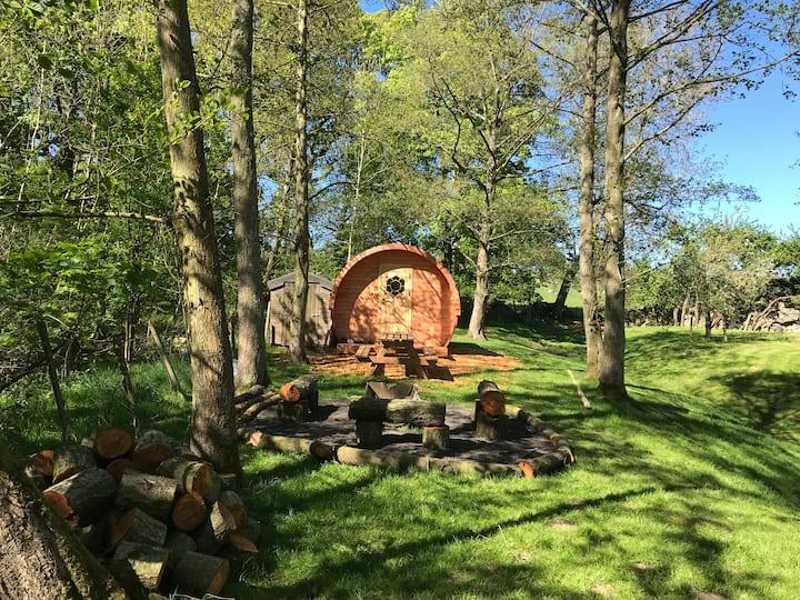 PIGGERY-Peaceful lakeside retreat, slps 2-4/tennis