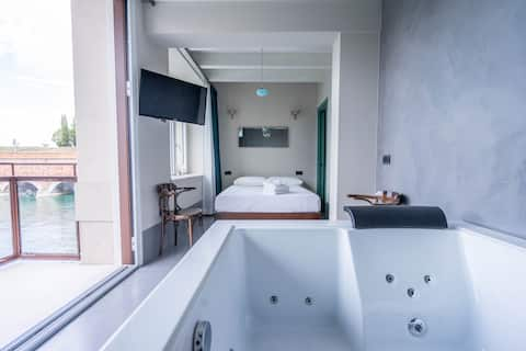Suite deluxe with SPA bath and balcony