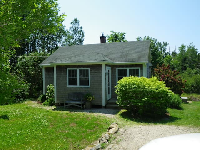 Mader's Cove Cottage - Mahone Bay