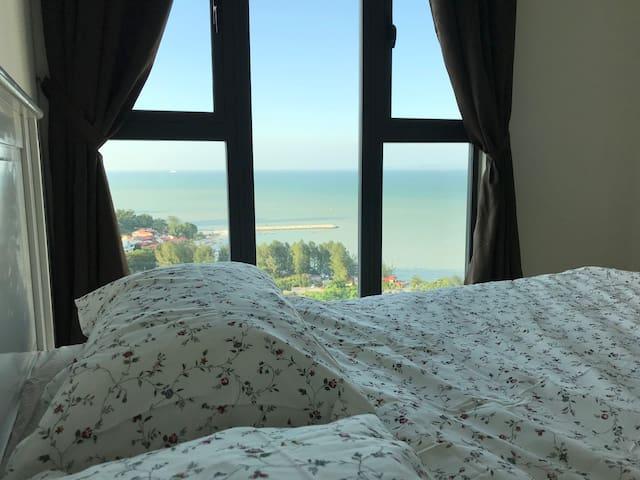 NEW PROMO Luxury Seaview Condo, Straits Quay 海景轩公寓