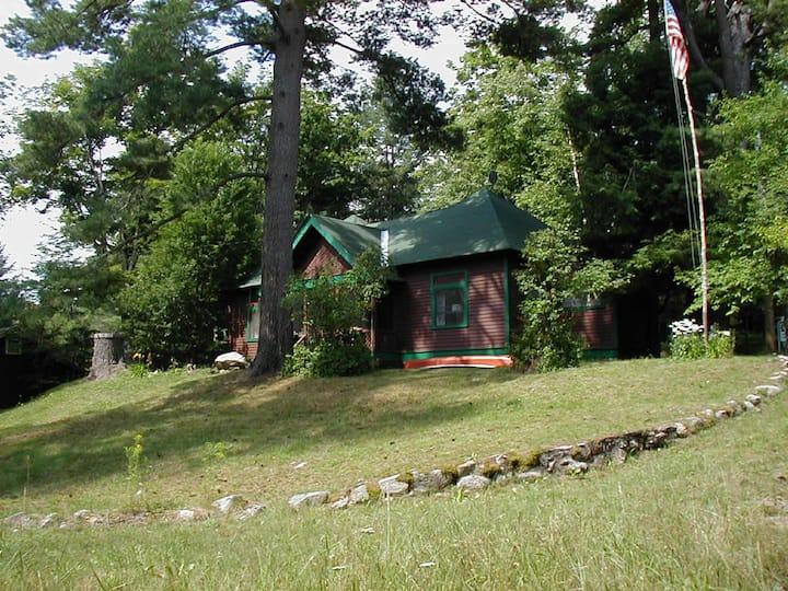 Strader's Pine Cottage at Antler's