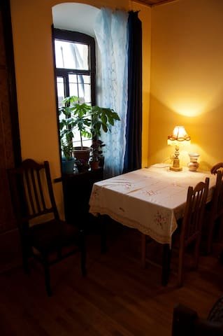 Vintage XIX Century Family House In City Center - Tbilisi - Rumah