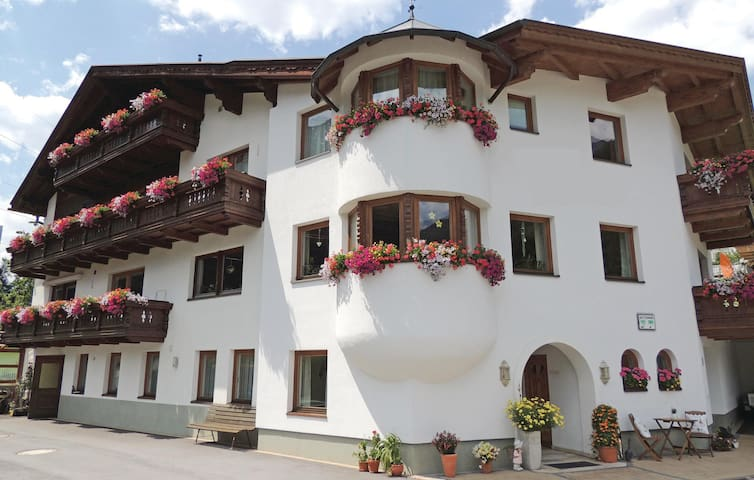 Holiday apartment with 2 bedrooms on 57m² in St. Anton