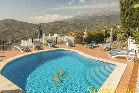 A little piece of paradise with a pool Competa