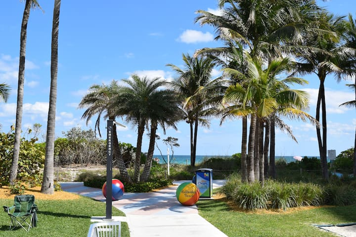 A paradise in front of the beach !!!! - Hallandale Beach - Byt