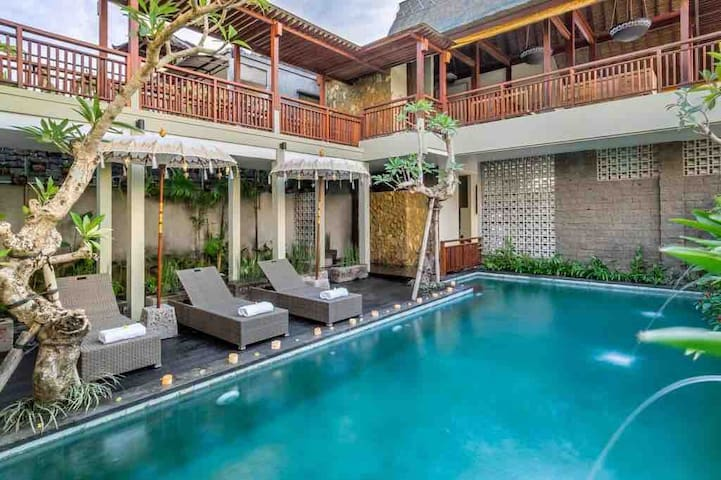Spacious Room with Pool at Ubud Center