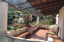 Grande terrasse entre les deux volcans