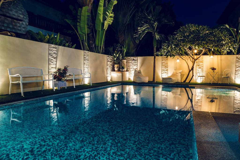 Lighting near the private swimming pool