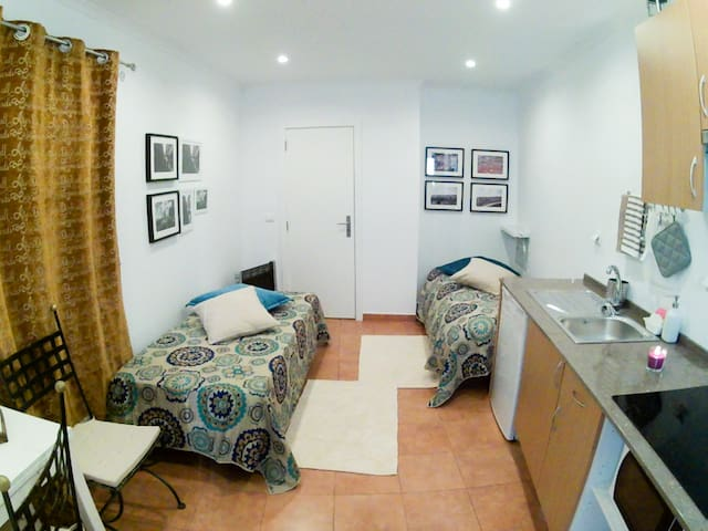Central Apartment in Lisbon, Martim Moniz 33