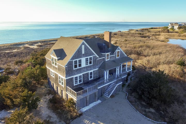 Luxury bayfront island home with private hot tub, immediate beach access!