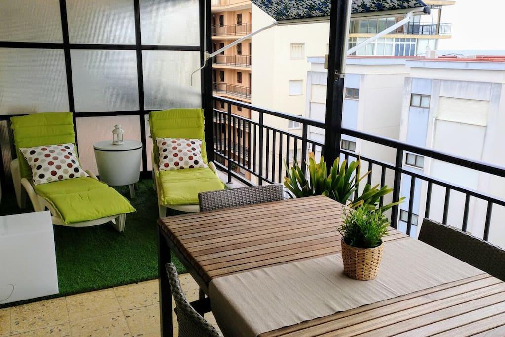 apartamento con vistas al mar en salou appartements louer salou catalunya espagne. Black Bedroom Furniture Sets. Home Design Ideas