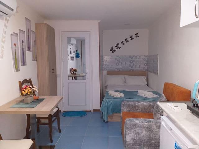 Studio in Avlabari - Better than Hostel