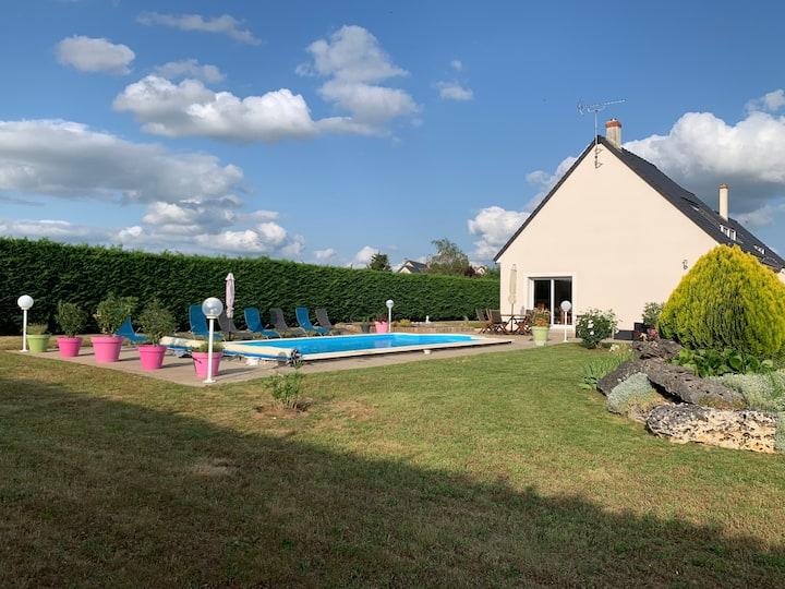 chatx de la loire  Villa 9 pers  piscine chauffee