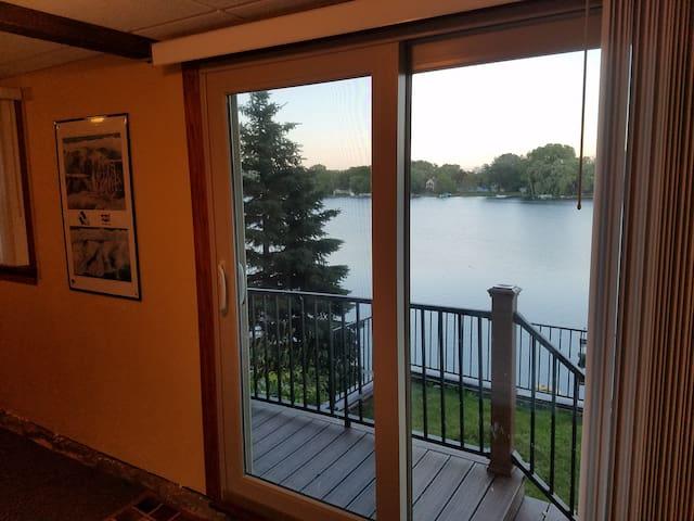 Lake House Honeymoon Suite