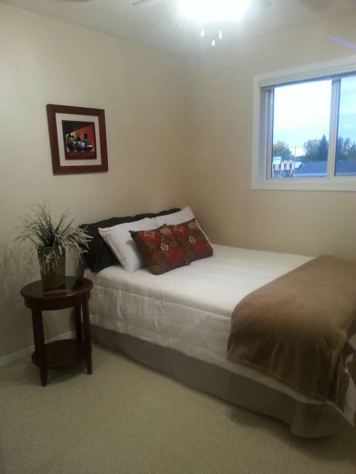 Red Deer Condo awaiting your stay