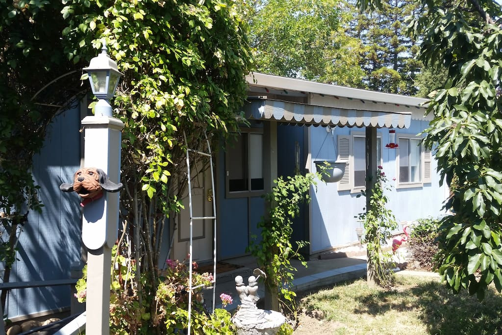 backyard cottage guesthouse for rent in sacramento california