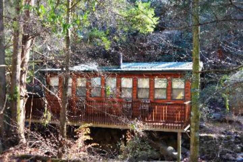 Beautiful Log cabin located right on Norton Creek