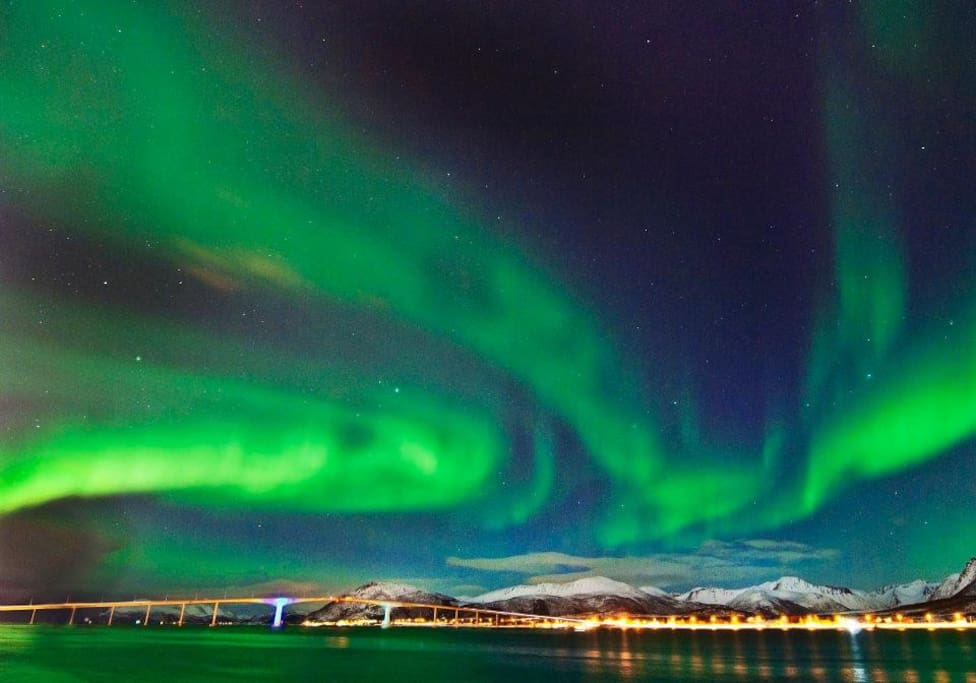 Nordlys over Sortland by