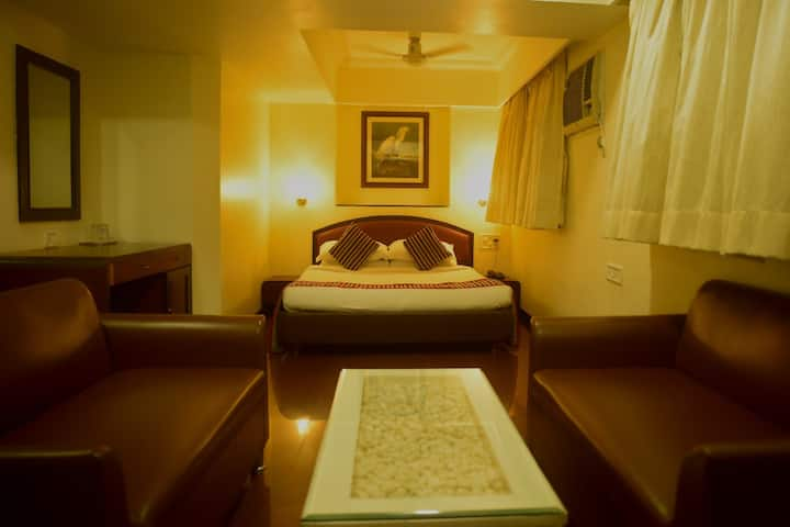spacious suite Room At Hotel Dakshin