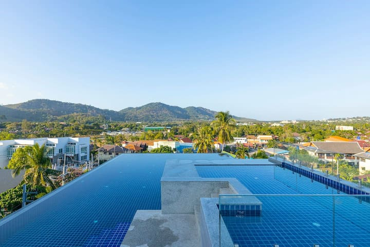 Studio 8 min walk to NaiHarn Beach, Roof top pool